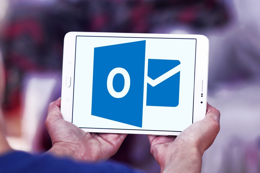 Groups are now on Outlook mobile application! - Makronet